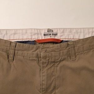 Dockers Modern Khaki Pacific collection 33x32